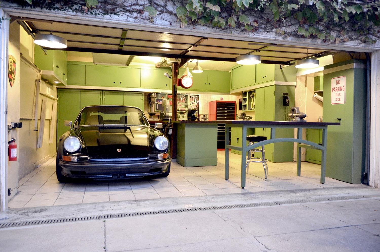 Hledá se garáž